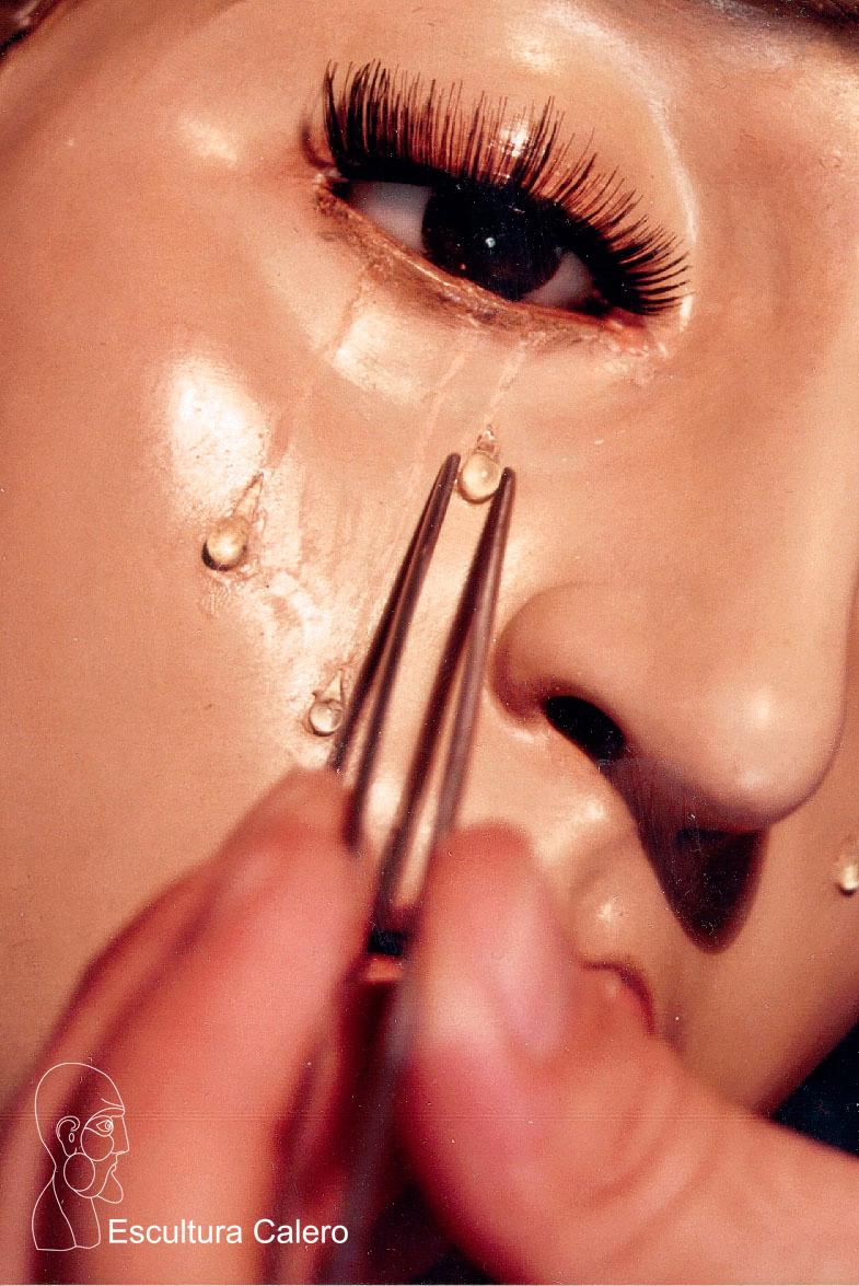 colocación-de-lágrima